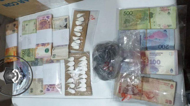 Desbarataron un kiosco narco en Centenario: secuestraron 60 mil pesos y cocaína