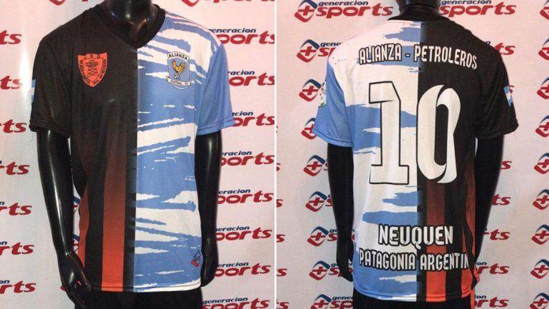 La camiseta fusionada de los clásicos rivales de la Comarca que causa furor en la tele