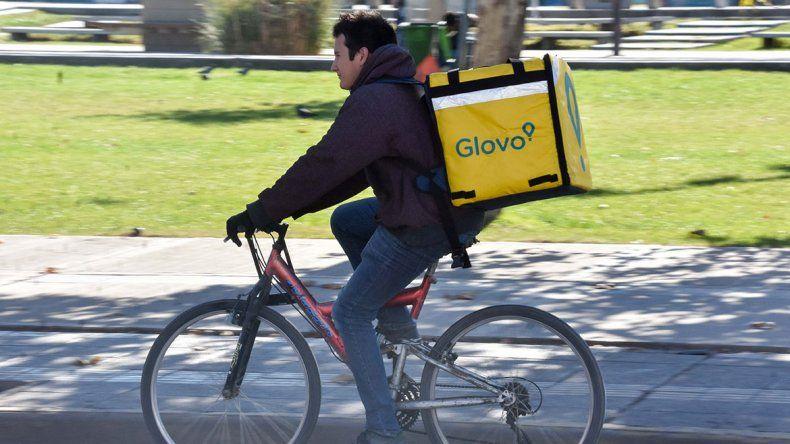 A las bicis de las aplicaciones les piden hasta líneas de teléfono
