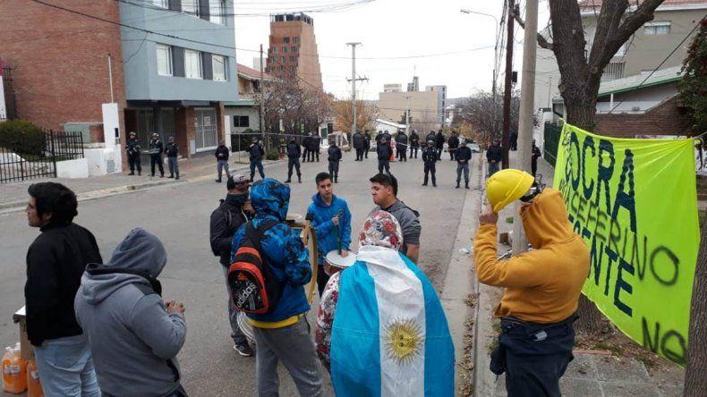 Uocra copada tras balacera de Shell: vecinos preocupados y negociaciones estancadas