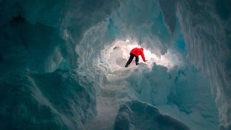 La misteriosa razón por la que se forman agujeros en el hielo antártico
