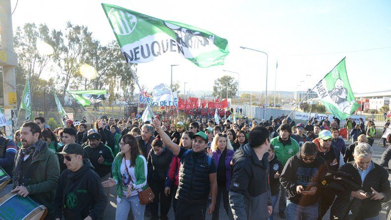 Con un acto, gremios y organizaciones sociales rechazaron la visita de Macri