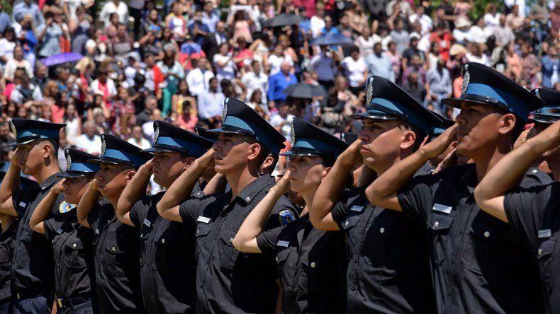 Echaron a 14 policías por dar positivo en los exámenes de drogas