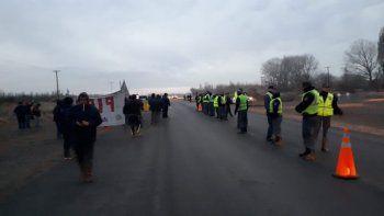 trabajadores de la piap volvieron a la ruta pero la poli impidio el corte