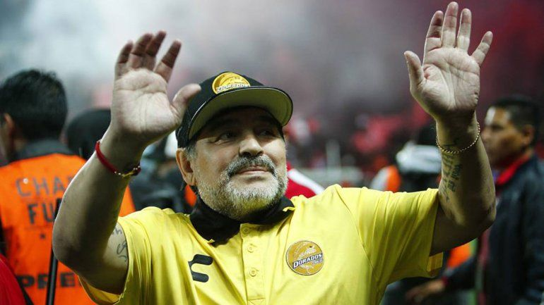 Diego Maradona le pone pausa a su carrera de DT para rehabilitarse