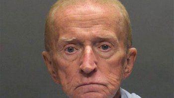 un anciano volvio a robar para regresar a la prision