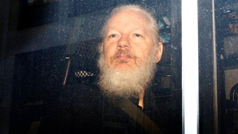La Justicia británica define si extradita a Julian Assange