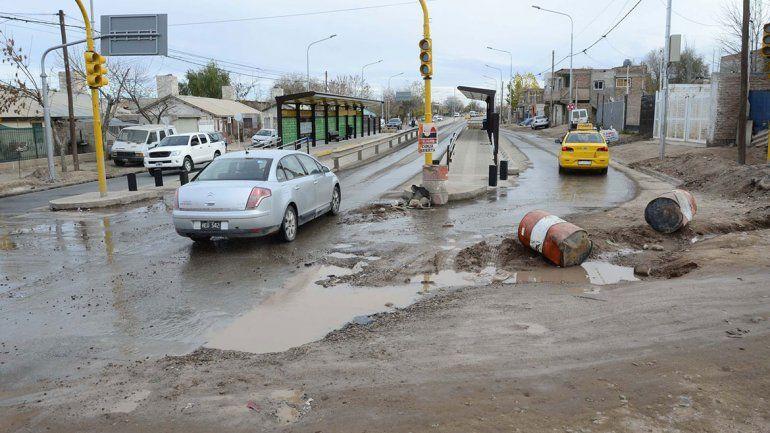 La Muni le pide al EPAS que arregle pérdidas de agua y cloacas