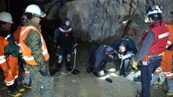 chile: tras un derrumbe, hay 3 mineros atrapados