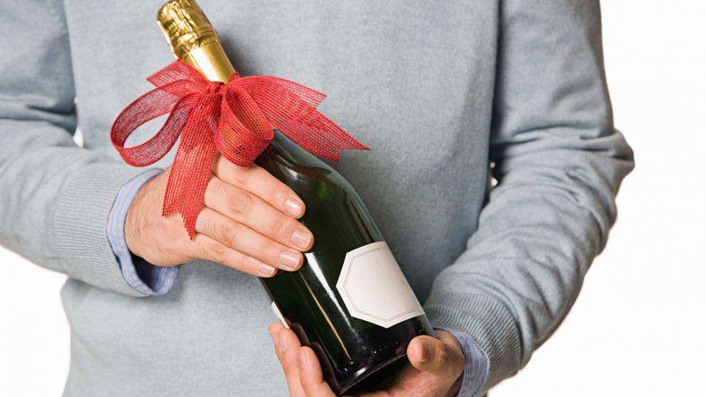 Por menos de $1000, una remera o un vino