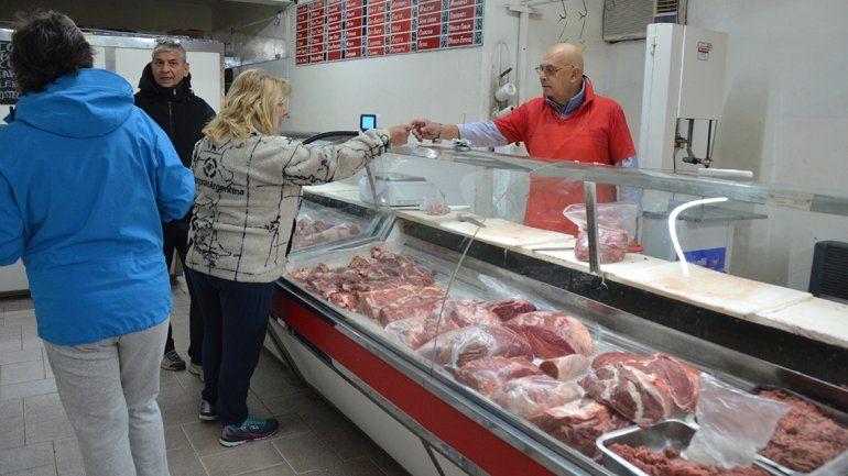 El asado del Día del Padre salvó las ventas de las carnicerías neuquinas