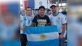 hinchas neuquinos presentes en el debut argentino