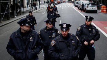 se suicidaron tres policias de nueva york en pocos dias