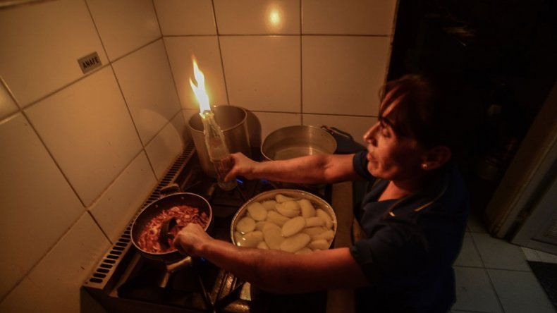 Por cortes de luz, imponen sanciones millonarias a empresas de energía