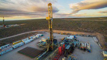 tecpetrol va por el shale oil de tres areas en vaca muerta