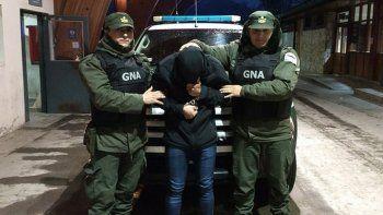 tenia pedido de captura y fue detenido intentando cruzar a chile