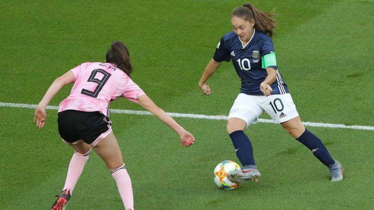 Con un final para el infarto, la Selección femenina levantó un partido increíble y sueña con el pase
