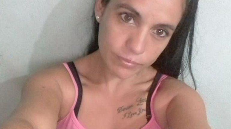 Una mujer abusó de un amigo de su hijo y lo engañó con un falso embarazo