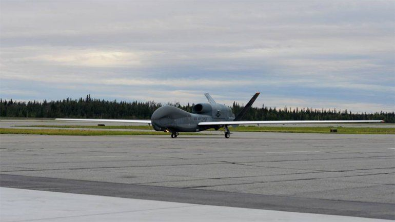 Imagen facilitada por el Servicio de Distribución de Información Visual de Defensa de EEUU (DIVIDS) que muestra un RQ-4 Global Hawk.