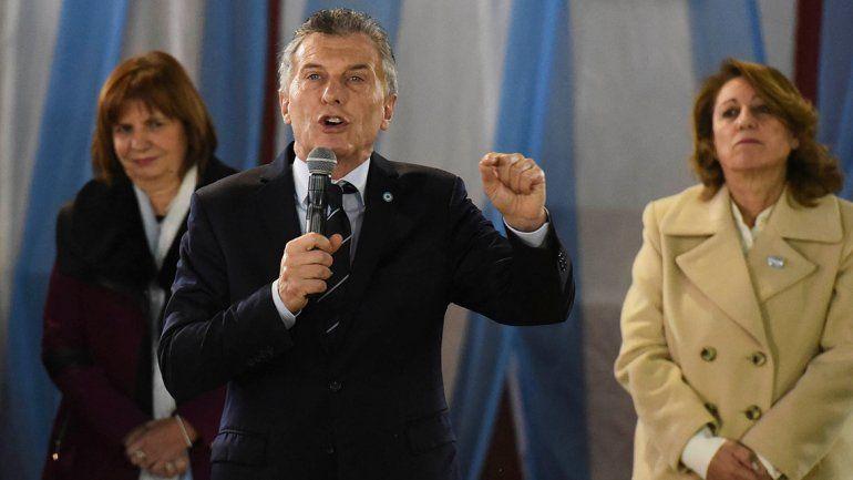 En el acto por el día de la Bandera, Macri apuntó contra los Moyano