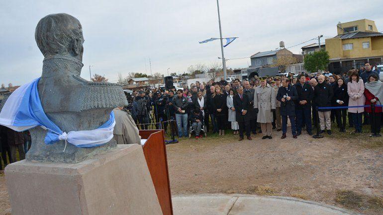 El frío y el viento no impidieron el acto por el Día de la Bandera en el Parque Lineal Belgrano