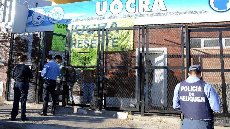 La Justicia notificó a los ocupantes de Uocra por usurpación