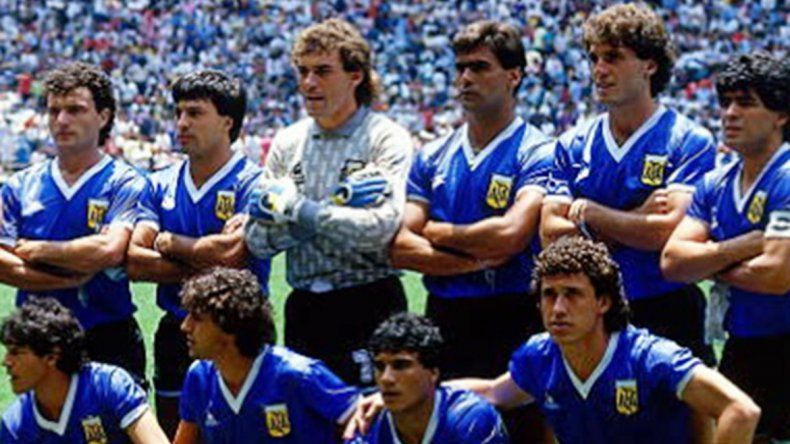 La increíble historia de las inmortales camisetas ante Inglaterra en México 86