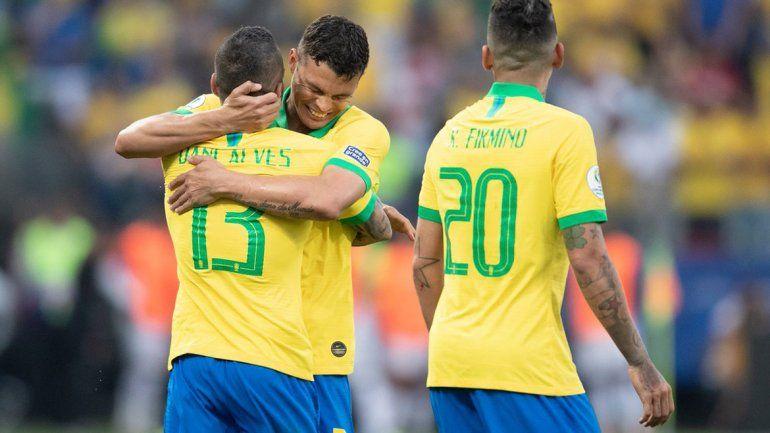 ¡Gracias hermano!: Brasil goleó a Perú y ya no dependemos de nadie