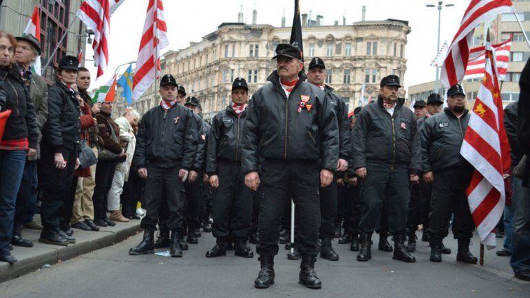 Alemania dice que los neonazis son un peligro muy real