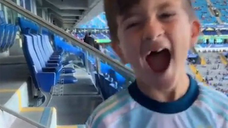 La alegría de Thiago Messi tras el triunfo argentino ante Qatar
