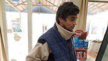 joven uruguayo sin trabajo devolvio un bolso con 31.500 pesos
