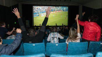 la clasificacion a cuartos tambien se festejo en el cine teatro espanol