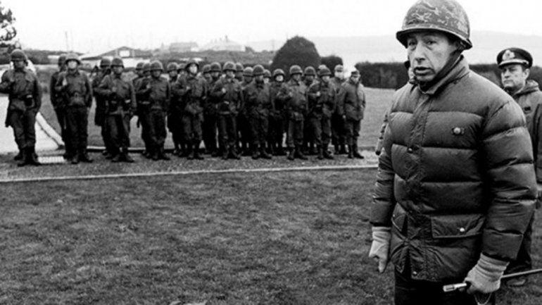 Llevaron cenizas del represor Menéndez a las Islas Malvinas