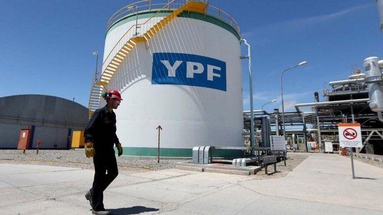 YPF se lanza otra vez al mercado con un bono