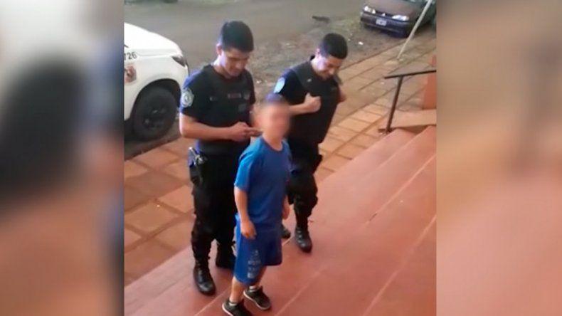 Indignante: policías grabaron y se burlaron de un detenido con enanismo