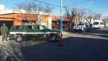 gendarmeria nacional allana viviendas en general roca