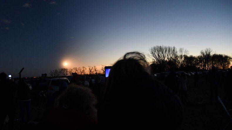 Así fue el eclipse de sol que oscureció el cielo