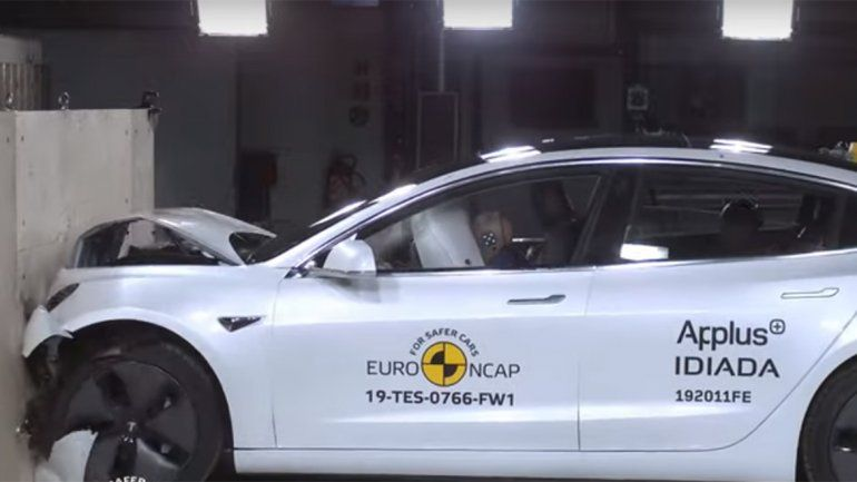 Mirá el crash test del Tesla Model 3
