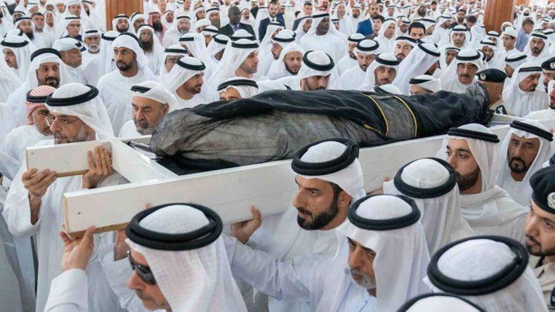 ¿El príncipe heredero árabe se murió tras una gran orgía?