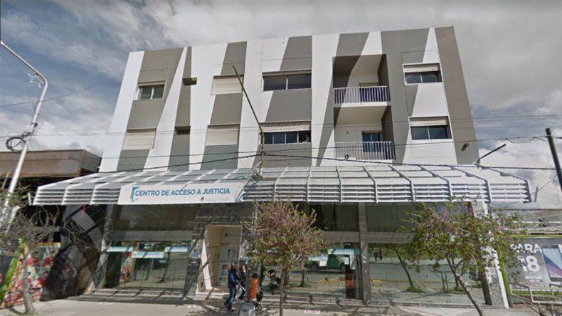 Empleada cayó por las escaleras del Tribunal de Faltas y denuncian falta de seguridad
