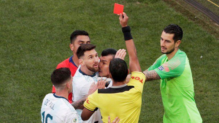 Copa América: así fue la expulsión de Messi tras la pelea con Medel