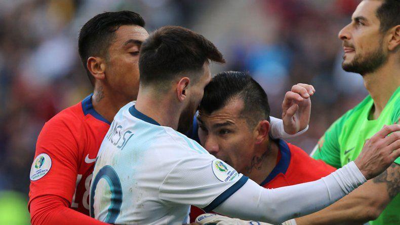 La AFA se tira un nuevo lance para evitar una dura sanción a Messi