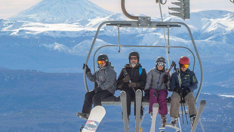 Para disfrutar de la nieve en Neuquén, los turistas gastaron en promedio unos 5300 pesos por día