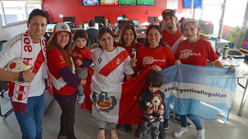 Los peruanos de Neuquén sueñan con un Maracanazo y agradecen el apoyo argentino