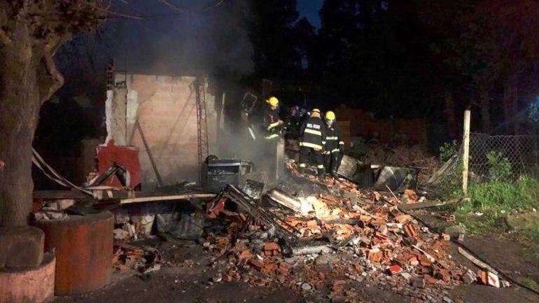 Mueren cinco niños en un fatal incendio: los padres habían salido