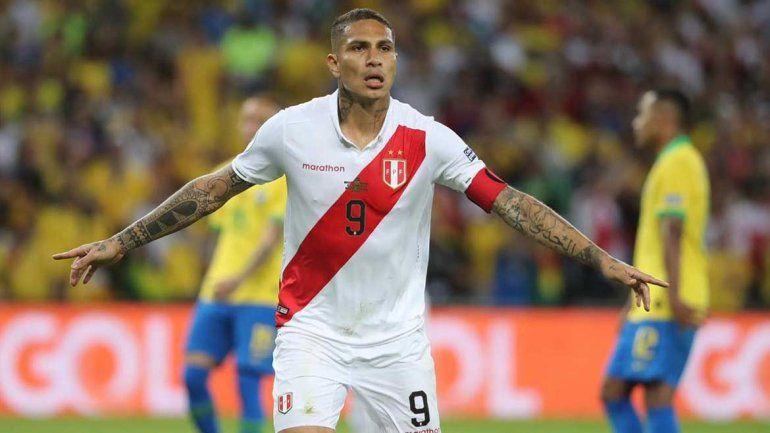 De penal, Guerrero es el máximo goleador activo de Copa América
