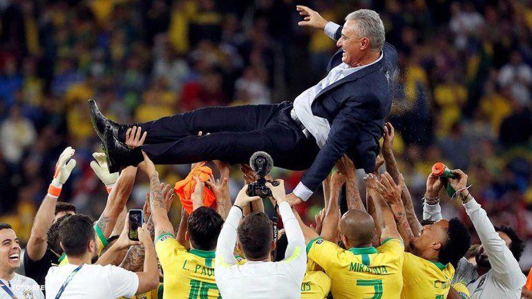 ¿Brasil ó VARsil? Otra vez favorecido en la final, ahora por un juez chileno