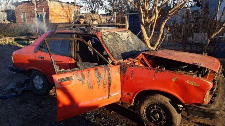 Se quemó su casa, le prestaron un auto, se incendió y murió