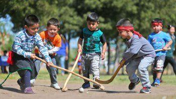 que es el palin, el deporte ancestral de los mapuches