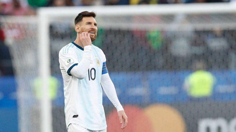 Messi quedó muy solo y en el ojo de la tormenta